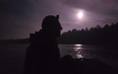 Veslanje ob polni luni